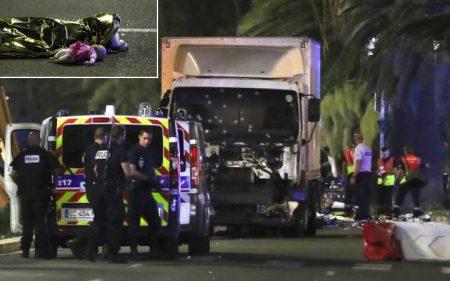 2016-07-15-13-30-21.nice terreur truck 14 juli 2016 - dood kind