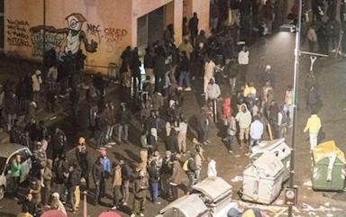 2016-11-26-15-30-28-gewelddadige-migranten-turijn-nov-2016
