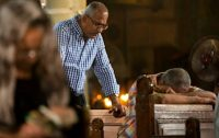 2017-05-29-14-04-47.koptische christenen treuren na aanslagen